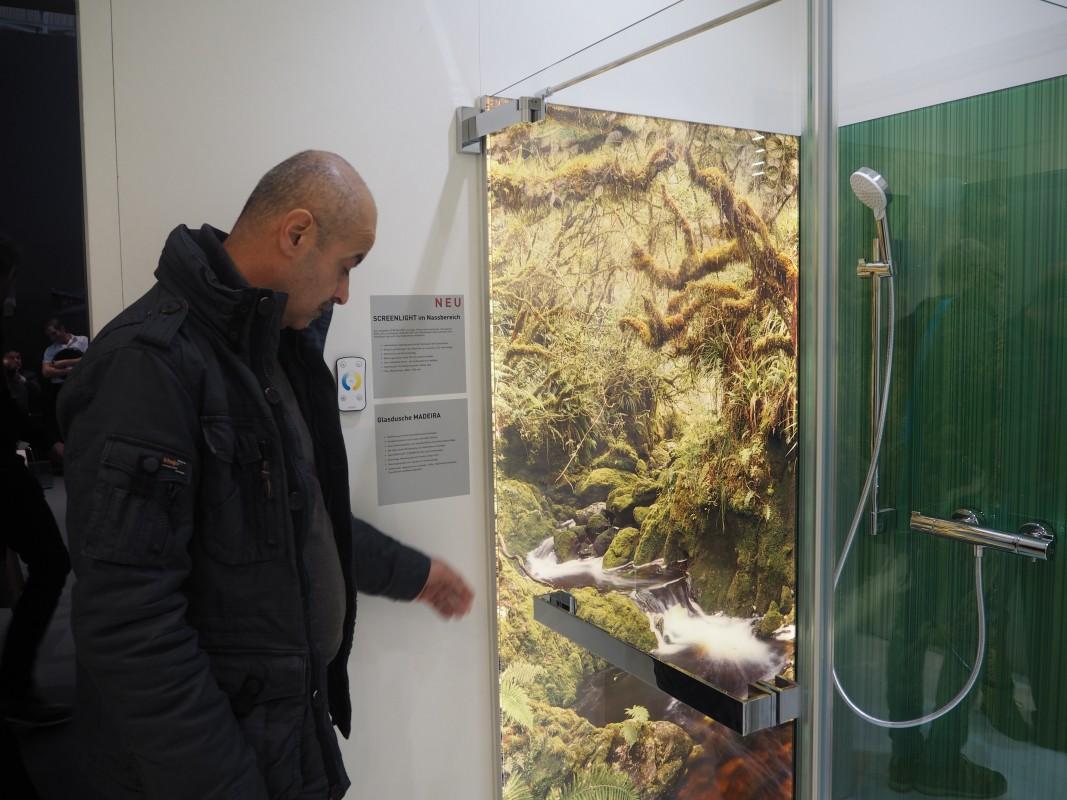 16-Besuch-Lieferanten-Glas-Trosch-Mitarbeiter-Screenlight-BAU-Messe-Glas-Rampp-GmbH-Augsburg