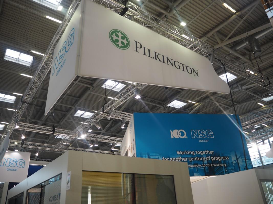 22-Besuch-Lieferanten-Pilkington-KFZ-Scheiben-BAU-Messe-Glas-Rampp-GmbH-Augsburg