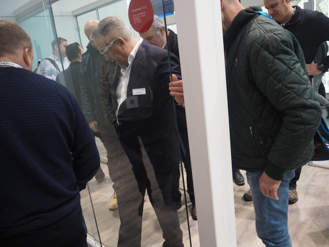 24-Besuch-GlasMate-Glasschiebetursysteme-BAU-Messe-Glas-Rampp-GmbH-Augsburg